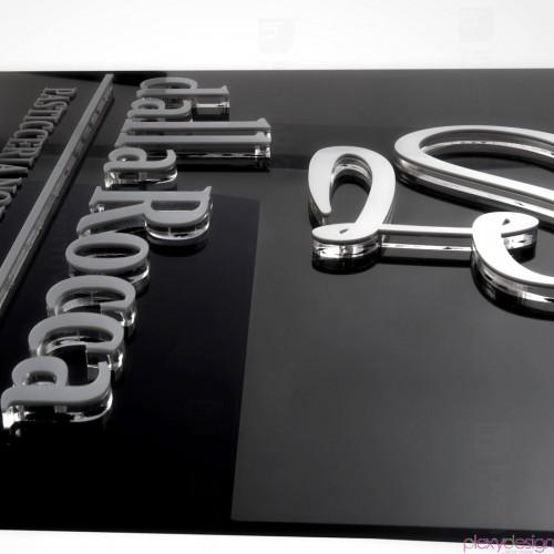 Targa Con Lettere A Rilievo Su Sfondo 5 Mm Plexy Design